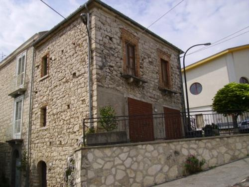 продажа трёхэтажного дома в Италии